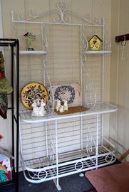 great garden / baker's rack