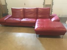 BEAUTIFUL MODERN RED LEATHER SOFA