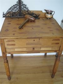 Early NY leg desk with inlaid design