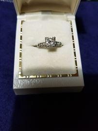 very nice diamond/platinum