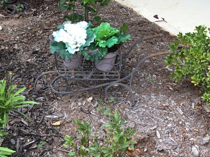 Metal wagon for plants