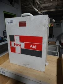 1 Metal first aid kit cabinet