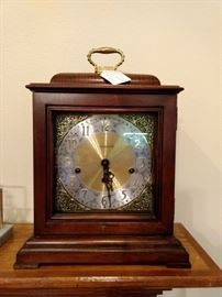 Howard Miller Mantle Clock works beautifully