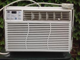 GE - 8,000 BTU Air Conditioner