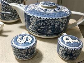 Currier & Ives Tea Pot & Salt & Pepper