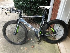 """2011 Felt B12 Triathlon Bike. Great condition!  ***My """"Jinny"""" is riding on 2015 Bontrager Aeolus 9.0 rear and 5.0 front racing wheels.   She be FAST!   $2500 together / Wheels alone $1800"""