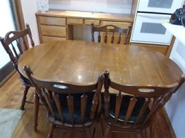 Dinette DropLeaf Table and Four Chairs