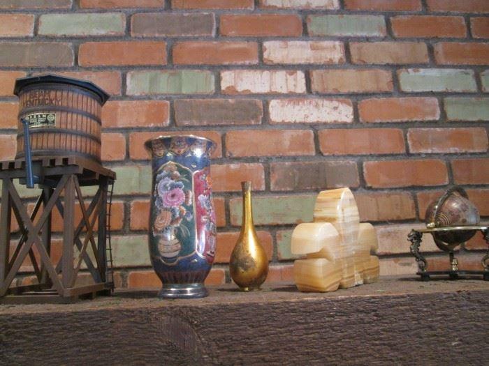 Accessories & Sculpture