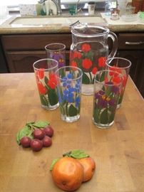 Vintage Pitcher and 5-Tumbler Glasses, great condition!