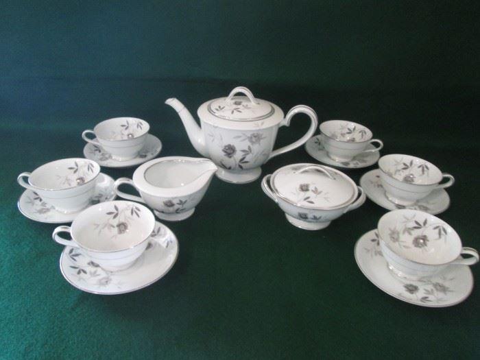 Vintage Noritake Tea Set, Rosamor Pattern, 17 Pieces