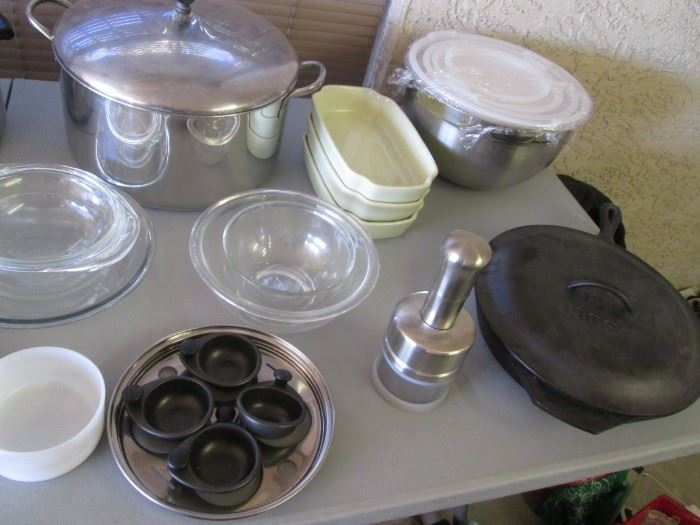 Pyrex and Mixing Bowls + Cast Iron #10 Frying Pan