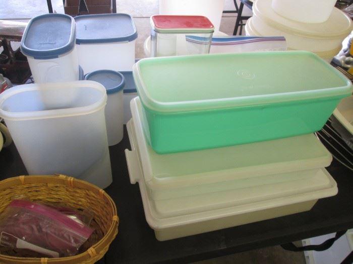 Tupperware & Plastic Storage Containers