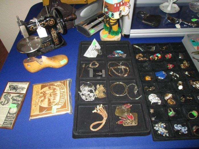 Jewelry Trays & Stitchwell Mini Sewing Machine