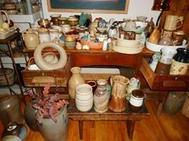 LOADS OF GREAT POTTERY