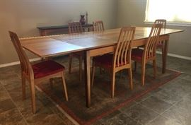 Ansager Mobler table with leafs extended