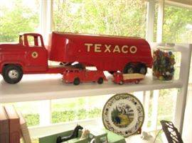 Vintage Tin Litho & Die Cast Texaco tanker, marbles