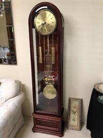 Very Nice Wall Clock--- Works