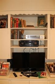 Sony TV, Technique Amplifier, Sony Cassette Player, Books