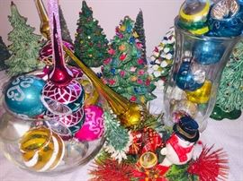 more vintage Christmas decorations