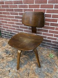 Eames Style swivel chair.