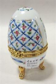 Lefton porcelain egg box