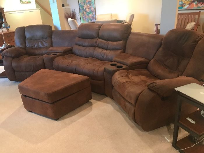 Sectional with reclining chairs