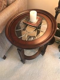 Gorgeous modern end table with glass top !