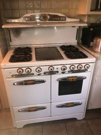 $325.00 SUNDAY PRICE! ANTIQUE STOVE..