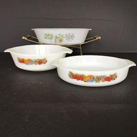 Vintage Casserole Dishes https://ctbids.com/#!/description/share/55329