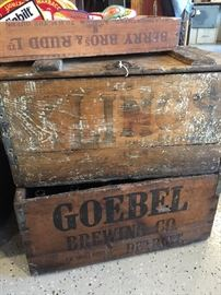 VINTAGE GOEBEL BREWING CO WOOD BOX/CRATE