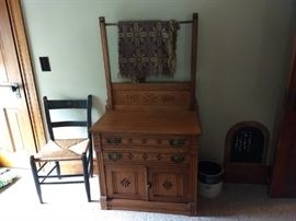 Oak wash stand, side chair and crock.