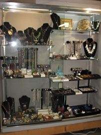 Extensive collection of fine estate jewelry
