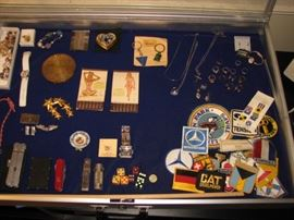 militaria, knives, jewelry, dice