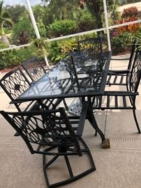 HANPTON BAY DINING TABLE WITH 6 CHAIRS WITH CUSHIONS AND UMBRELLA