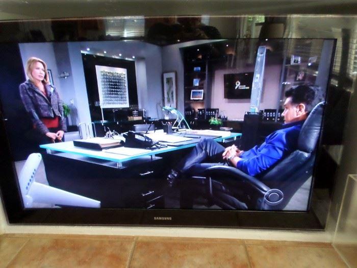"""Samsung 52"""" TV with remote & surround sound"""