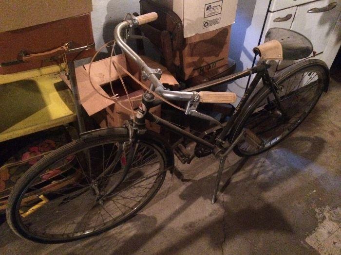 Vintage men's Hawthorne bicycle