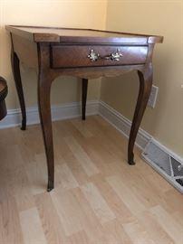 Baker one drawer table