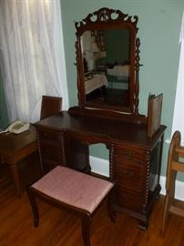 Gorgeous vintage dressing table