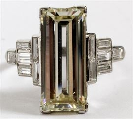 EMERALD CUT 3.60 CT. DIAMOND RING WITH 12 BAGUETTES DIAMONDS Lot # 2064