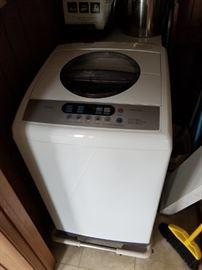 Midea MAE50-1102PS portable washing machine