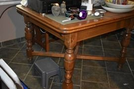"""Beautiful Draw Leaf Dining Table with Carved Melon Legs and matching """"Stickley Style"""" High Back Chairs with Art Deco Accents"""