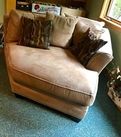 Corner overstuffed sectional chairs