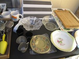 Trays, Display and Serving, some Kitchen Vintage!