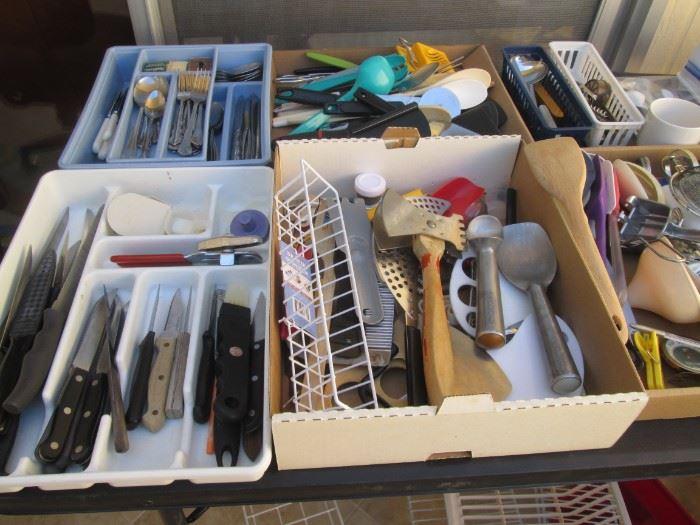 Knives, Cutlery & Flatware