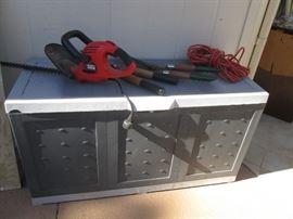 Garden Supplies and Yard Storage Chest