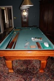 BRUNSWICK BILLARDS  MADISON  POCKET  BILLIARD TABLE AND ACCESSORIES