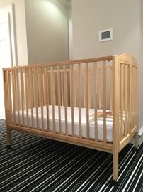 36) Dream On Me Two in One Portable Crib #happyhunting