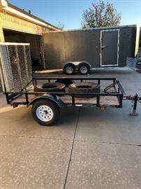 2017  5x7 foot bed single axle trailer like new $650