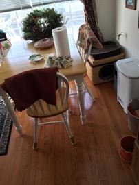 kitchen table 4 chairs, cat bed, trash can, table cloths, rug