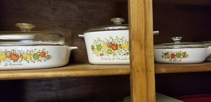 Vintage Corning ware with lids